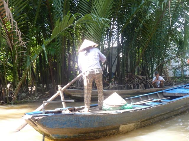 Mit dem Boot in Vietnam