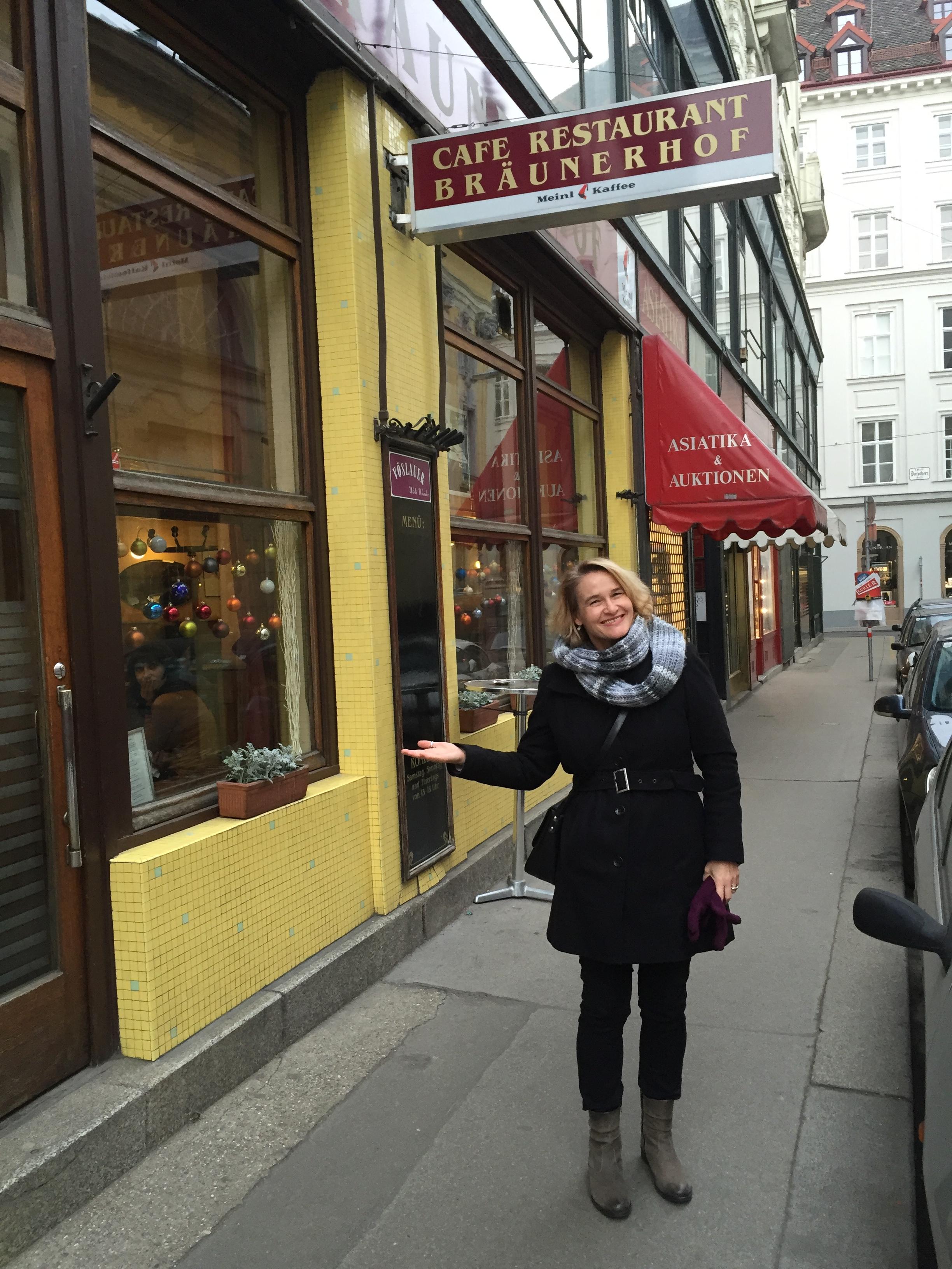 Das Café Restaurant Bräunerhof in einer kleinen Seitenstraße der Wiener Innenstadt ist eines meiner Lieblingscafés. (Foto: Kultreiseblog)