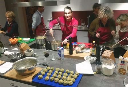 Action in der Winzerküche