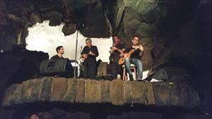 Musikkonzert in einer Lavahöhle 3