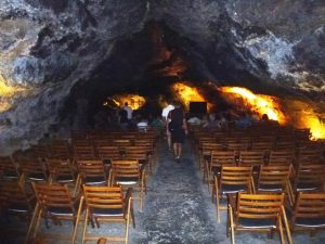 cueva-de-los-verdes-konzertsaal_simone-blaschke