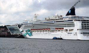 Parade der Kreuzfahrtschiffe Hamburg Cruise Days 2017