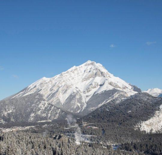Traumhaftes Winterpanorama in den kanadischen Rockies