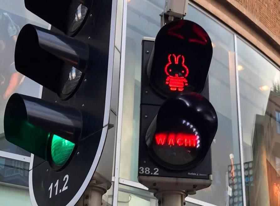 Der Hase Miffy ist so berühmt, dass er sogar als Ampelzeichen genutzt wird. (Foto: Simone Blaschke)