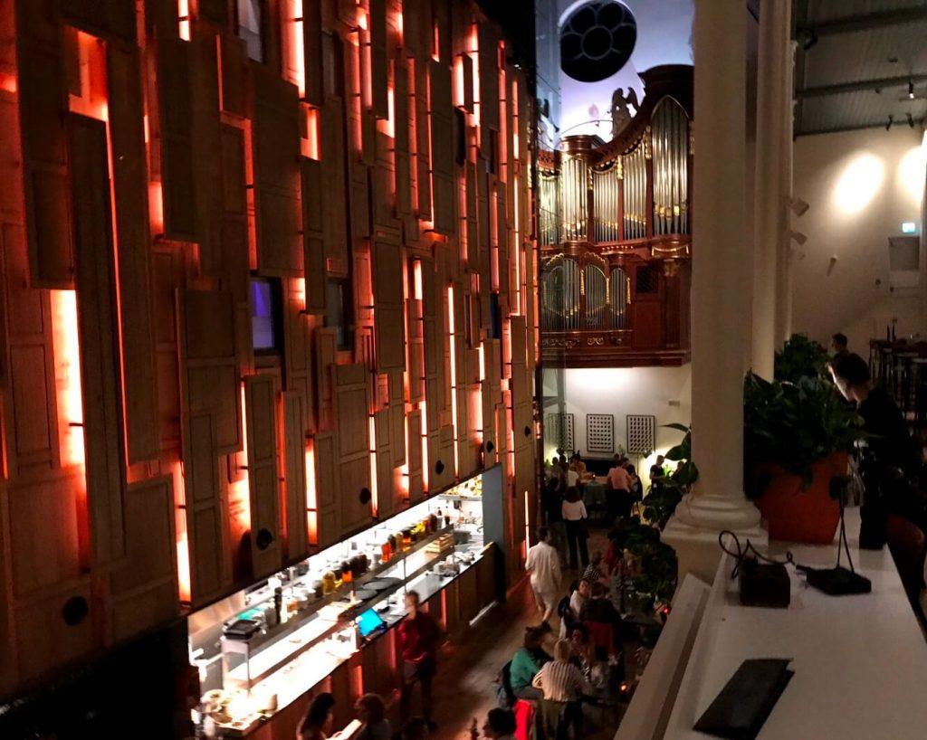 Das Bunk in Utrecht war früher eine Kirche, heute Hotel und Bar. (Foto: Simone Blaschke)