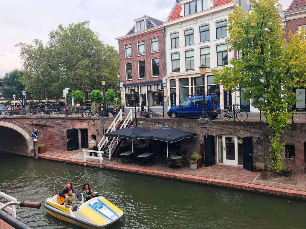 Die Oudegracht und ihre Gewölbe in Utrecht sind weltweit einzigartig. (Foto: Simone Blaschke)