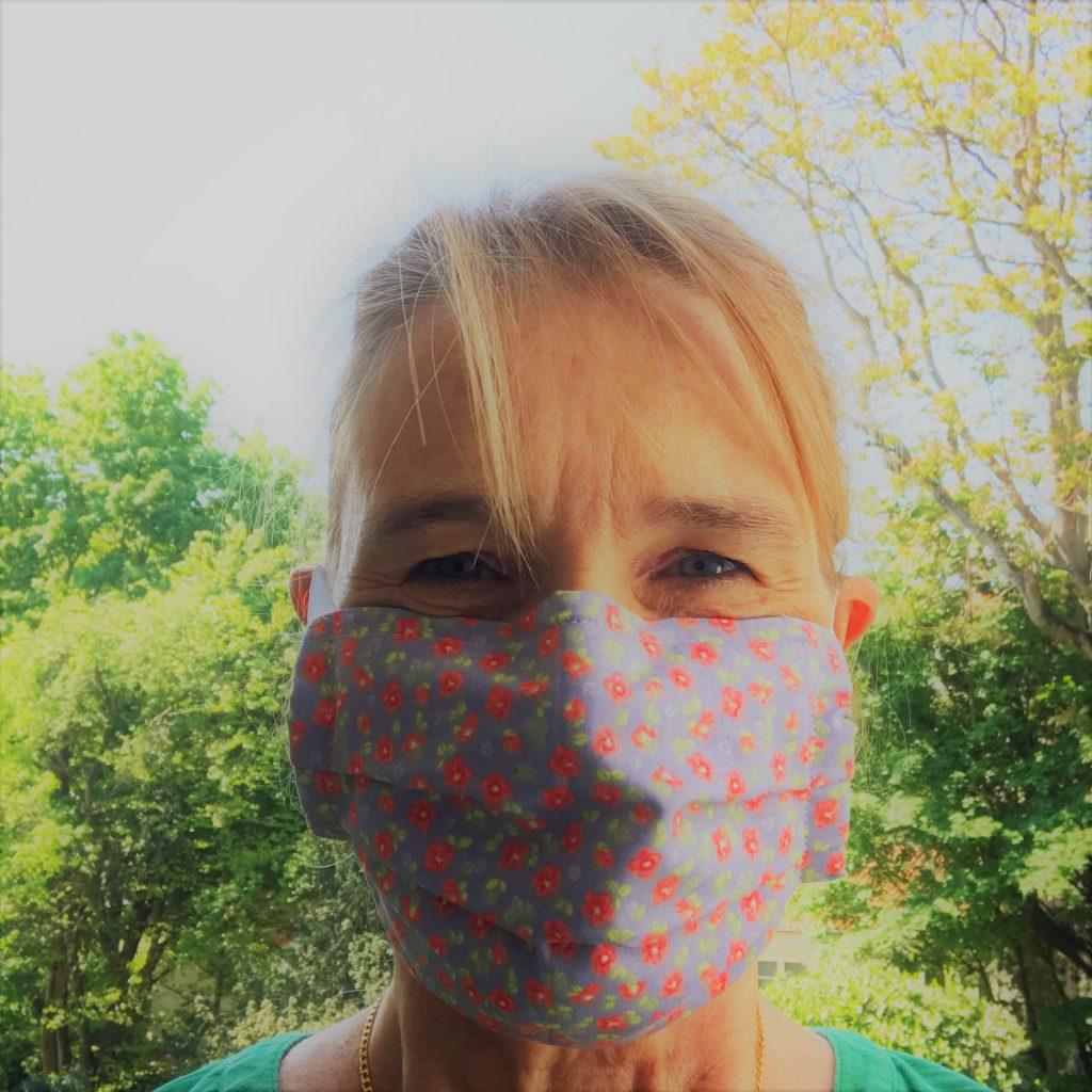 Mund-Nasen-Schutz selbst genäht in der Corona Zeit.
