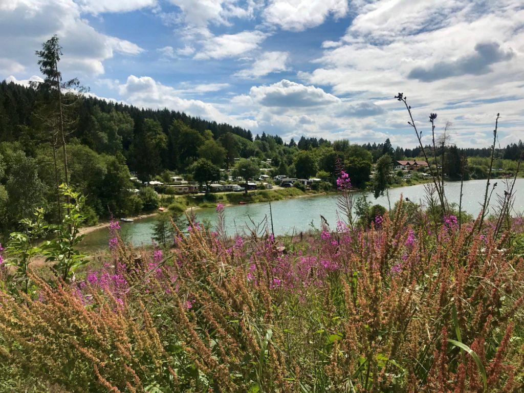 Grumbacher Teiche Liebesbankweg (Foto Kultreiseblog)