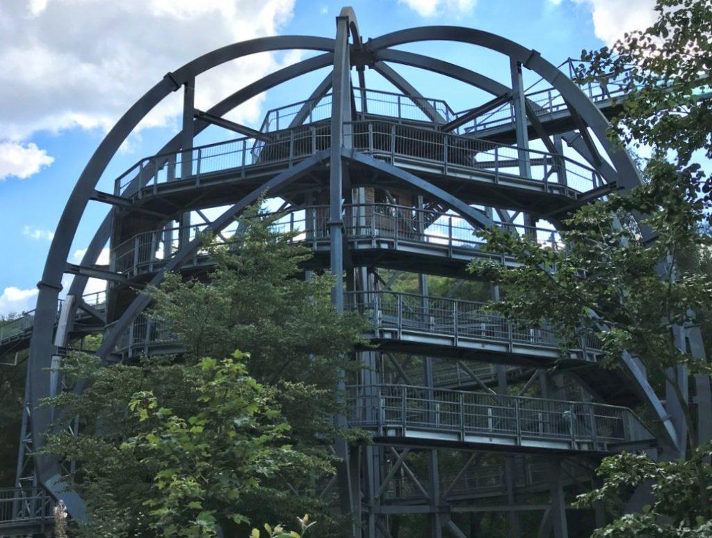 Einstiegsturm zum Baumwipfelpad Bad Harzburg auf kanpp 30 Meter Höhe. (Foto: Kultreiseblog)