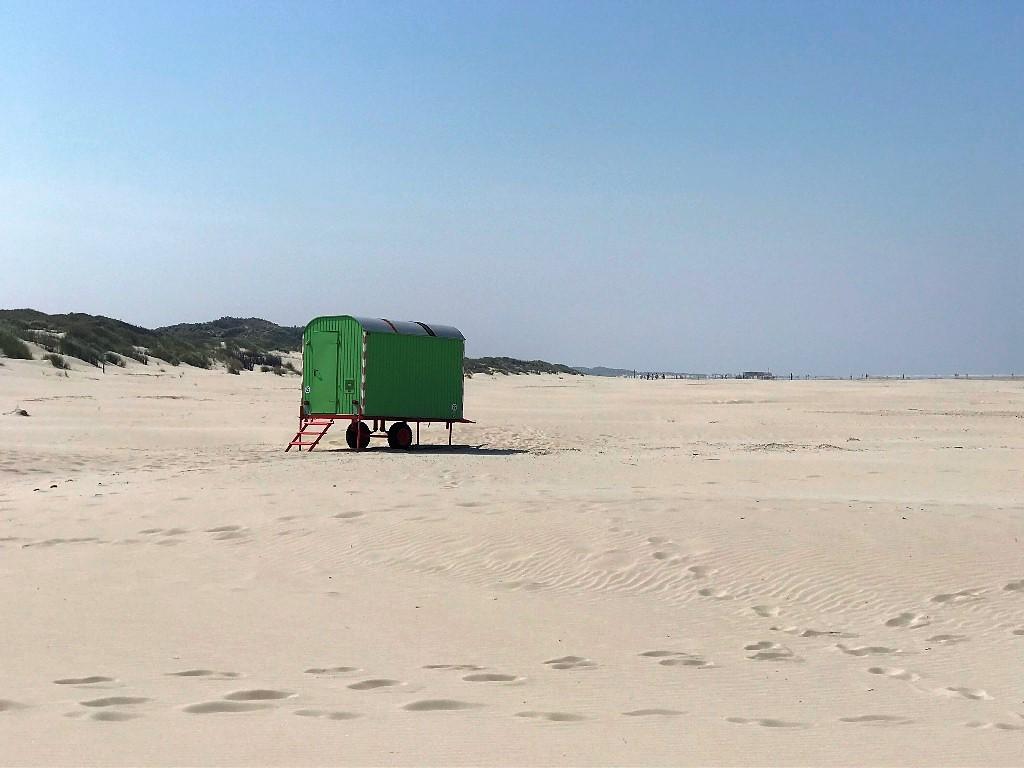 Einsamer Sandstrand auf Borkum, sogar im August 2020 möglich. (Foto Kultreiseblog)