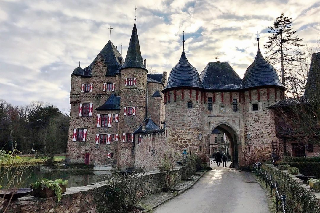 Wundervoller Blick auf Burg Satzvey